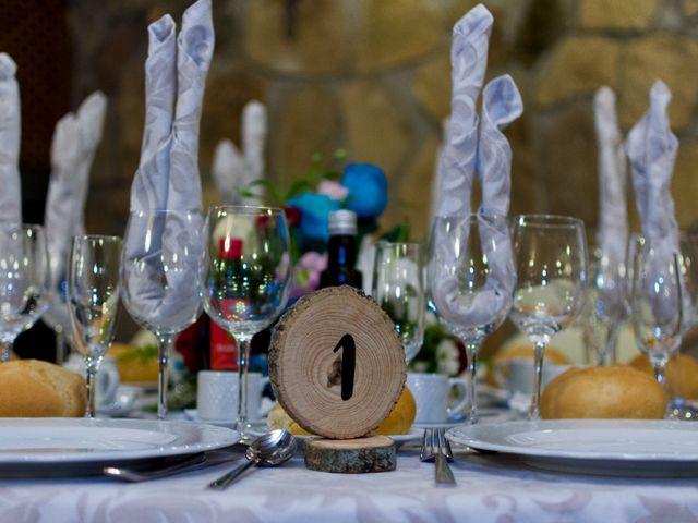 La boda de Juan y Laura en Navaluenga, Ávila 18