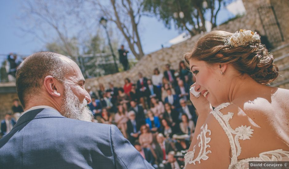 La boda de Joaquin y Laura en Pueblo Acantilado, Alicante