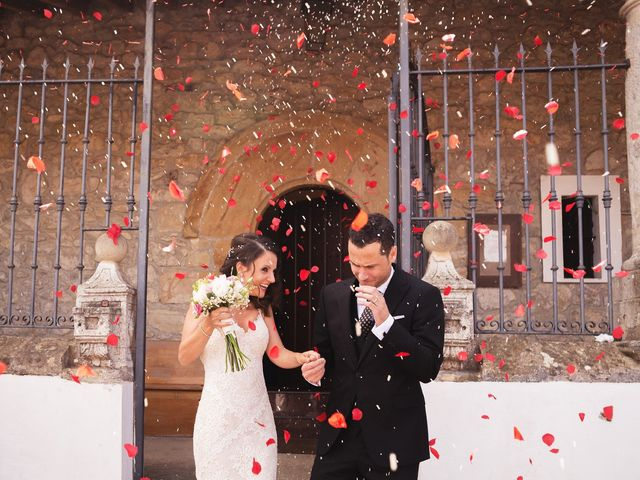 La boda de Raul y Yoana en Caviedes, Cantabria 33