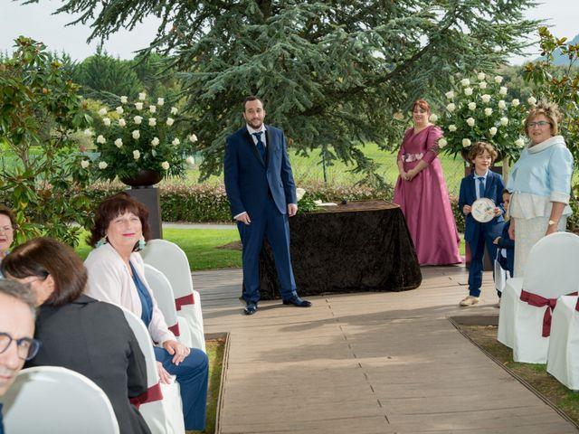 La boda de Iker y Silvia en Gorraiz, Navarra 13