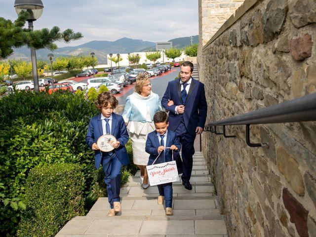 La boda de Iker y Silvia en Gorraiz, Navarra 19