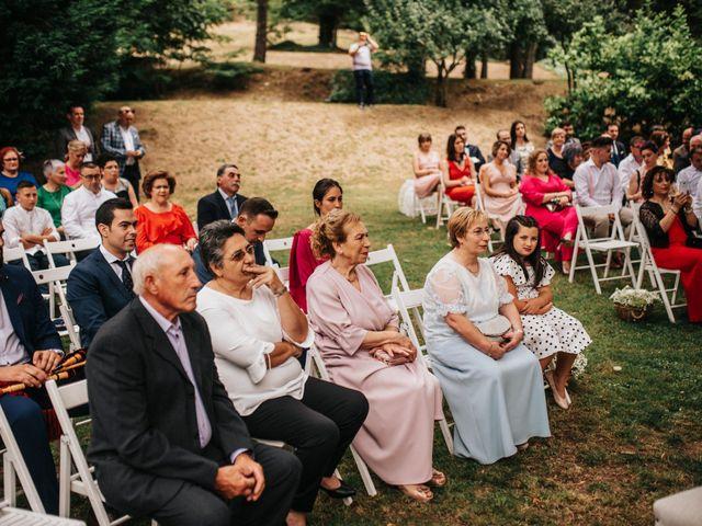 La boda de Kiko y Natalia en Santiago De Compostela, A Coruña 33