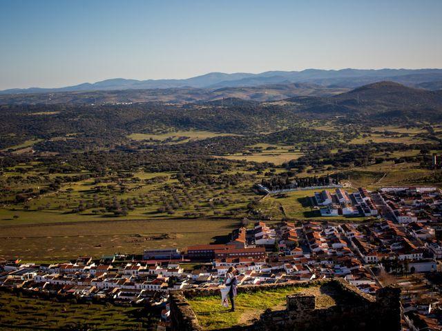 La boda de Cristian y Valle en Almendralejo, Badajoz 42