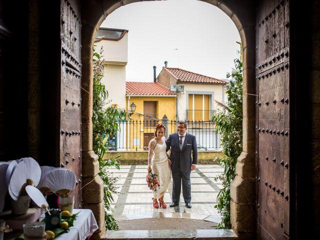 La boda de Cristian y Valle en Almendralejo, Badajoz 71