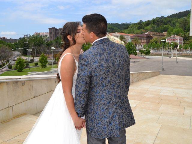 La boda de Aaron  y Alina  en Loiu, Vizcaya 8