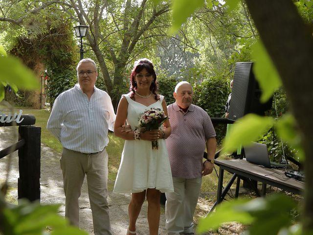 La boda de Javier y Merche en Navaluenga, Ávila 17