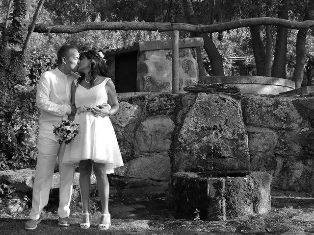 La boda de Javier y Merche en Navaluenga, Ávila 40