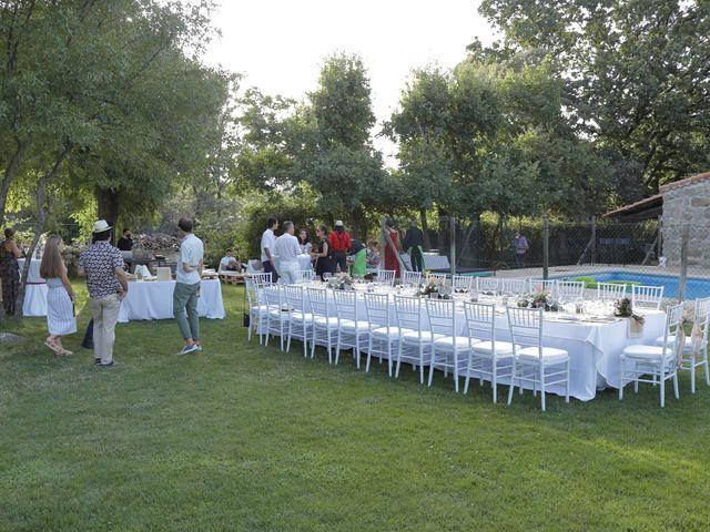 La boda de Javier y Merche en Navaluenga, Ávila 41