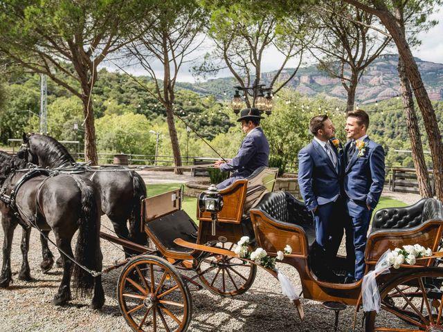 La boda de Xavi y Jonatan en Castellar Del Valles, Barcelona 37