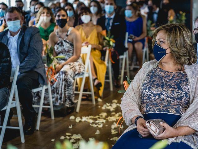 La boda de Xavi y Jonatan en Castellar Del Valles, Barcelona 42