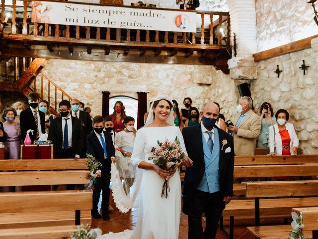 La boda de Fernando y Vanesa en Cazorla, Jaén 23