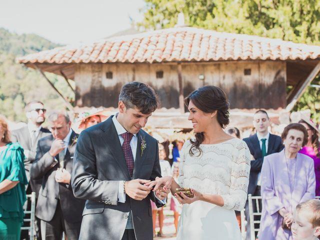La boda de Oscar y Xana en Cereceda (Villamayor), Asturias 35