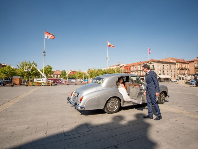 La boda de Diego y Alicia en Medina Del Campo, Valladolid 21