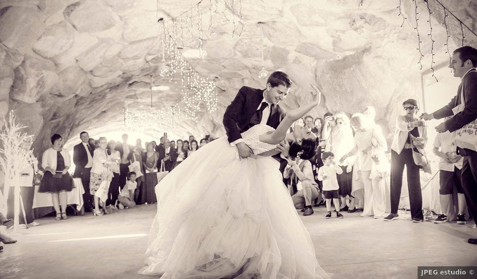 La boda de Javier y Ana en Paganos, Álava