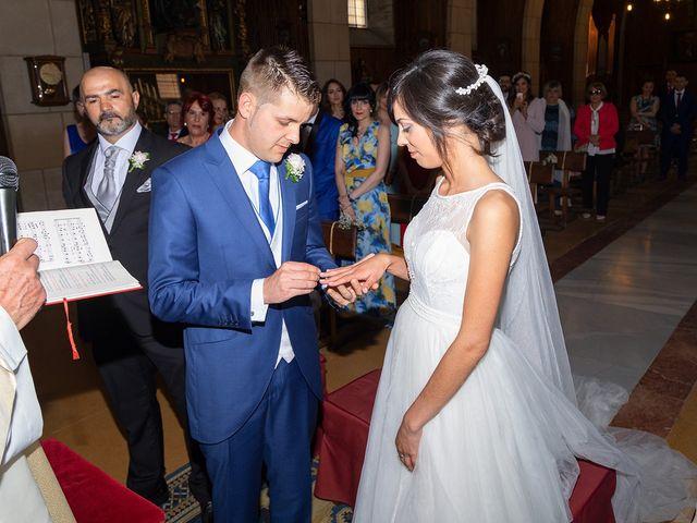 La boda de Aitor y Veronica en Pola De Lena, Asturias 14