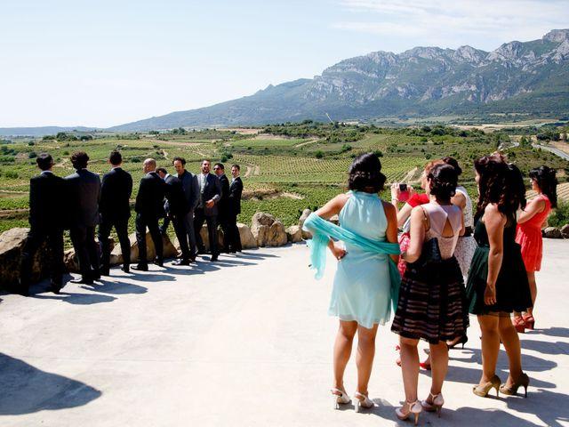 La boda de Asier y Noemi en Paganos, Álava 45