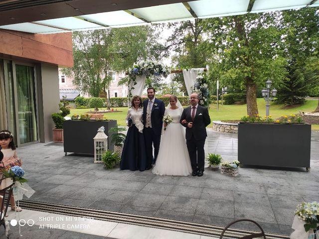 La boda de Rocío y Daniel en Oviedo, Asturias 3