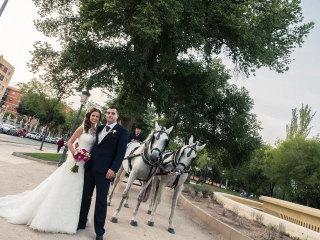 La boda de Carlos y Eva en La Gineta, Albacete 23