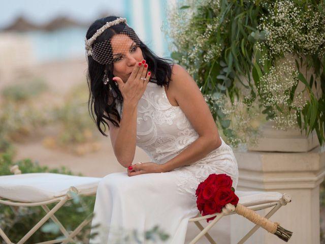 La boda de Javi y Geles en Valencia, Valencia 13