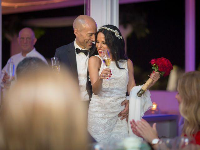 La boda de Javi y Geles en Valencia, Valencia 16