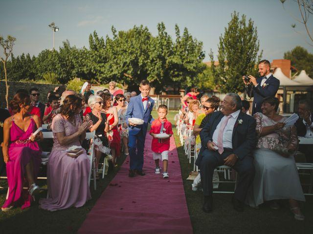 La boda de Felipe y Carol en Sallent, Barcelona 43