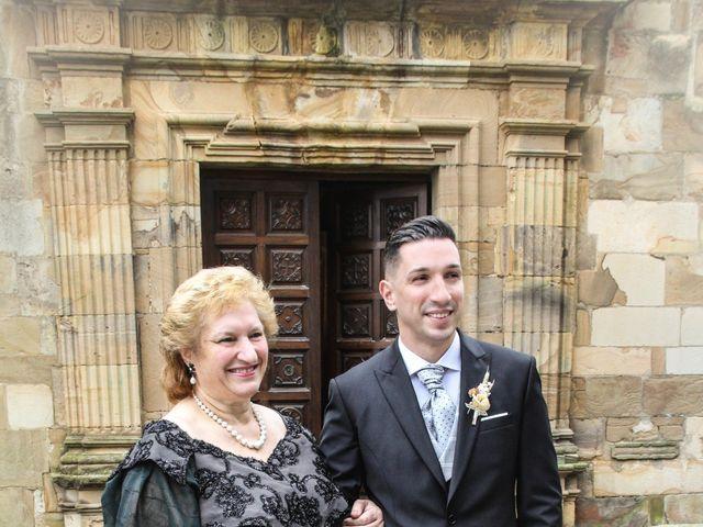 La boda de Héctor y Jeni en La Felguera (Langreo), Asturias 11