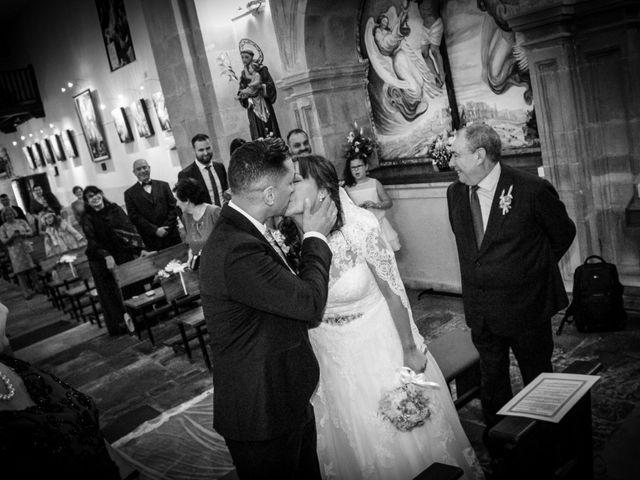 La boda de Héctor y Jeni en La Felguera (Langreo), Asturias 23