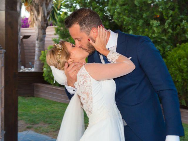 La boda de Raúl y Carmen en Málaga, Málaga 33