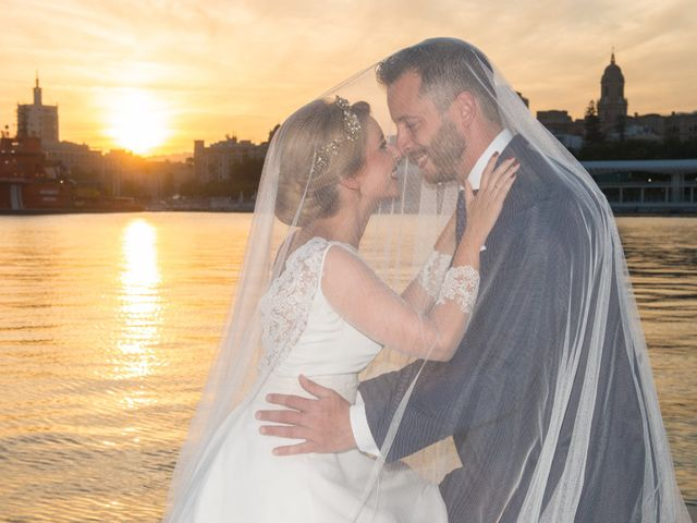 La boda de Raúl y Carmen en Málaga, Málaga 53
