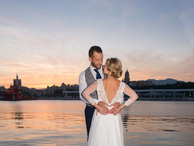 La boda de Raúl y Carmen en Málaga, Málaga 56