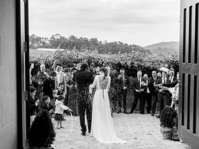 La boda de Guille y Triana en Vilanova De Arousa, Pontevedra 30