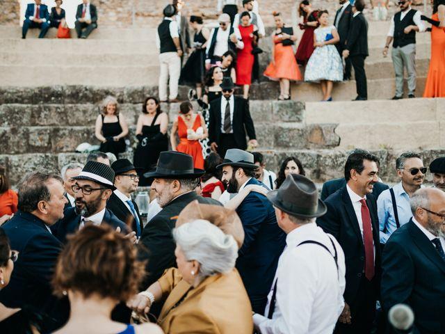 La boda de Roberto y Manuela en Casas De Reina, Badajoz 73