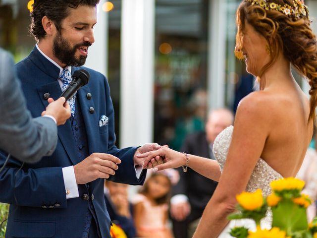 La boda de Gonzalo y Ascen en Carballo, A Coruña 46