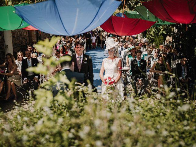 La boda de Jesús y Amparo en Ballesteros De Calatrava, Ciudad Real 36