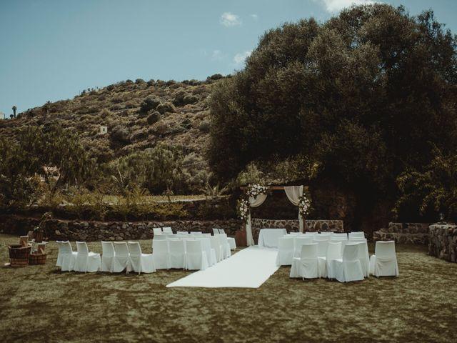 La boda de Javier y Yurena en Las Palmas De Gran Canaria, Las Palmas 3