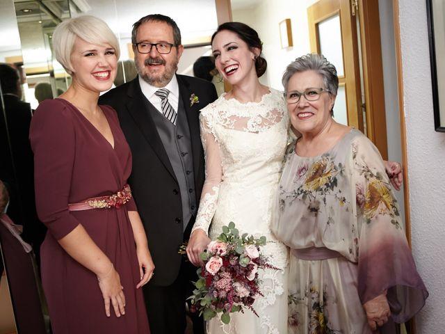 La boda de Jose y Raquel en Zaragoza, Zaragoza 15