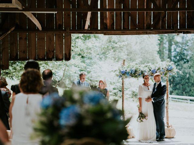 La boda de Harold y Amaya en Markina-xemein, Vizcaya 35