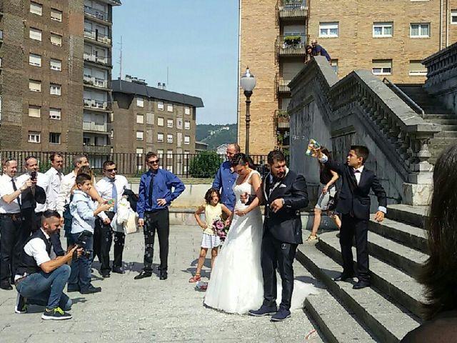 La boda de Jose  y Adriana  en Bilbao, Vizcaya 26