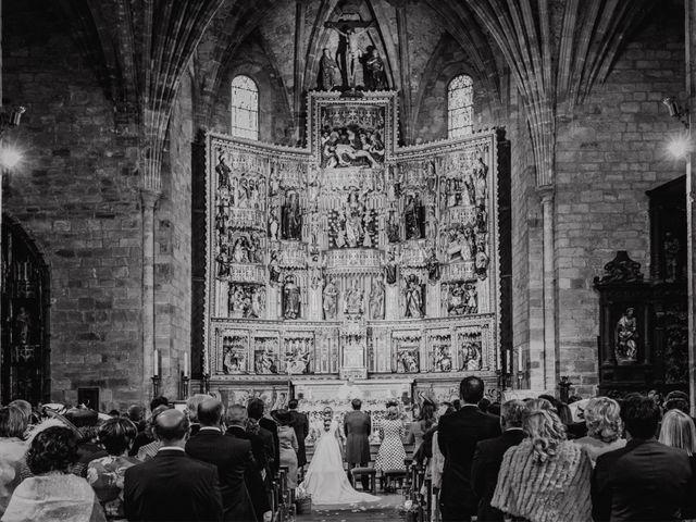 La boda de Juan y Bea en Ezcaray, La Rioja 27