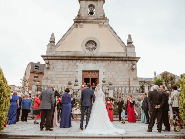 La boda de Zafiro y María en San Roman De Bembibre, León 18