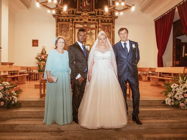 La boda de Zafiro y María en San Roman De Bembibre, León 28