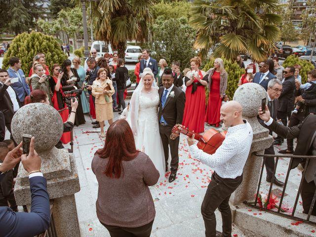 La boda de Zafiro y María en San Roman De Bembibre, León 32