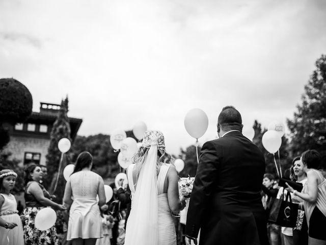 La boda de Jon Ander  y Ainhoa  en Llodio, Álava 27