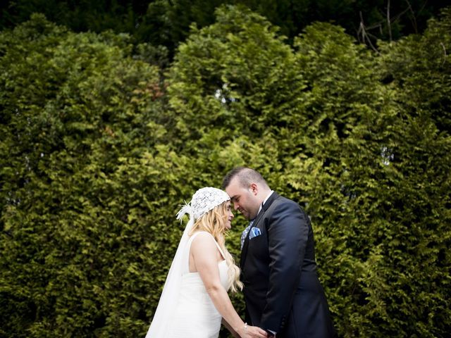 La boda de Jon Ander  y Ainhoa  en Llodio, Álava 33
