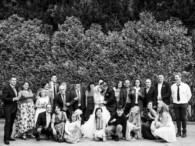 La boda de Jon Ander  y Ainhoa  en Llodio, Álava 34
