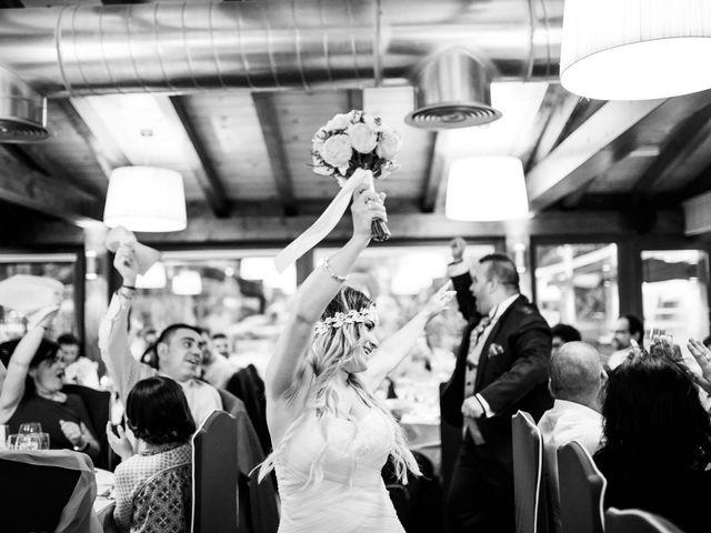 La boda de Jon Ander  y Ainhoa  en Llodio, Álava 37