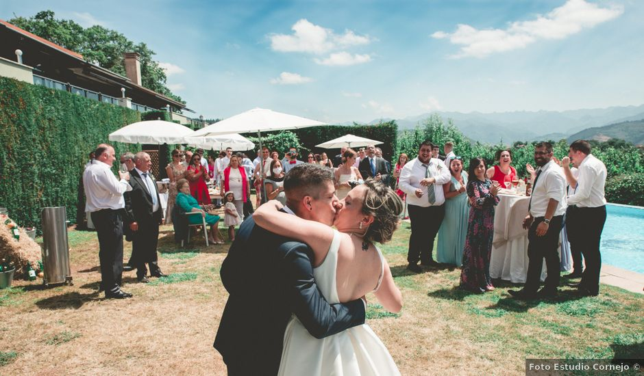La boda de Sheila y Carlos en Torazo, Asturias