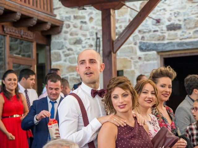 La boda de Mikel y Iria en Larrabetzu, Vizcaya 35
