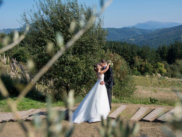 La boda de Mikel y Iria en Larrabetzu, Vizcaya 39