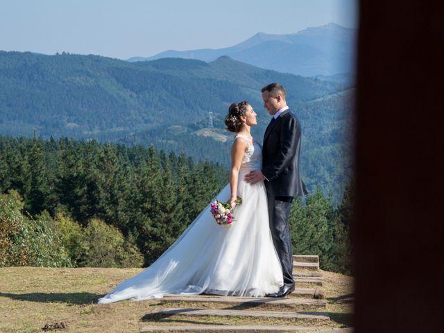 La boda de Mikel y Iria en Larrabetzu, Vizcaya 40